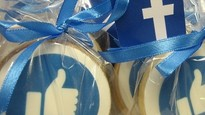 Iced branded biscuits with logo